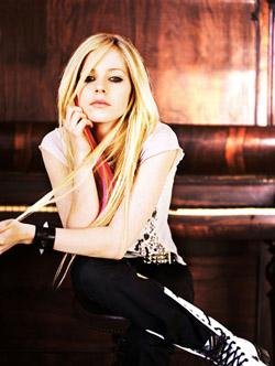 Avril Lavigne rocks at The Pearl